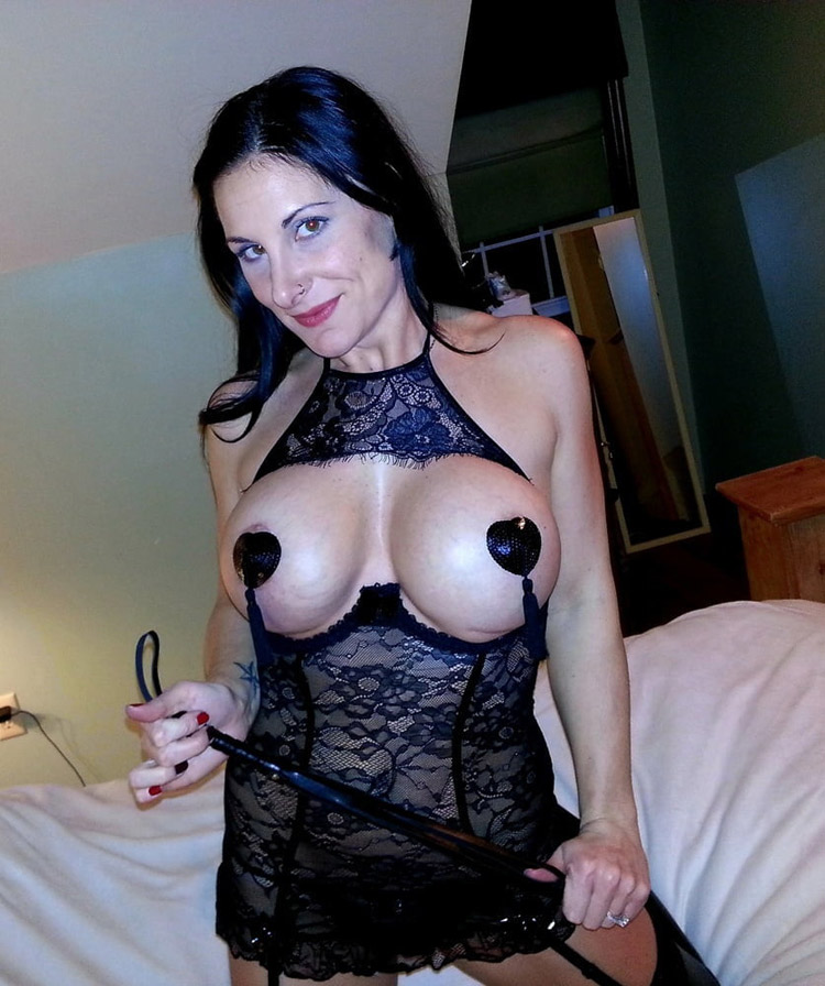 Sandra cougar extravagante nude 3