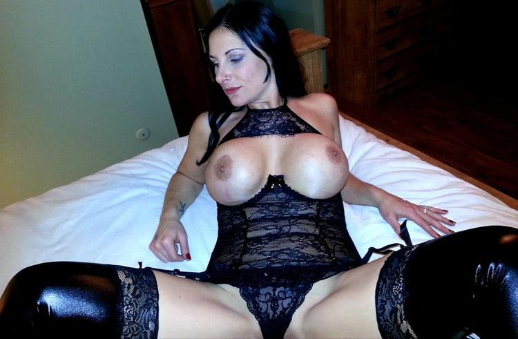 Sandra cougar extravagante nude 6